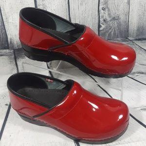 Sanita Women's Red Professional Clogs Shoes Sz 40